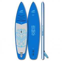 The 11'6 Touring Family board has a pointed, flat and therefore fast shape and offers a lot of volume and payload areas for longer trips. Thanks to the «pre-laminated double layer», the board is stiff and robust.